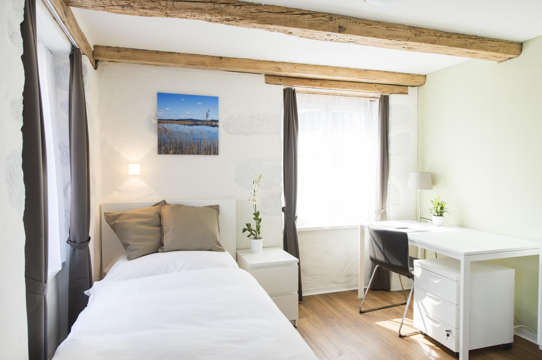 Perfekt Zimmer 13: Ab CHF 1440.  / Monat